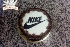 Tort czekoladowy z logo