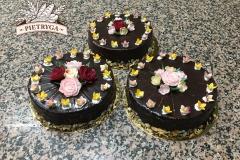 Tradycyjny tort z wkładką makową