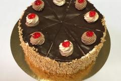 Tradycyjny tort orzechowy