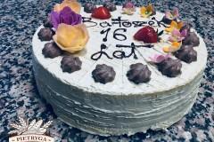 Tradycyjny tort bezowy