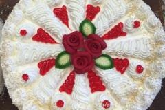 Tradycyjny tort śmietankowy